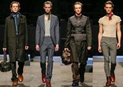 low priced 9e0bc 41bea Stock Prada: abbigliamento, scarpe, accessori, borse...